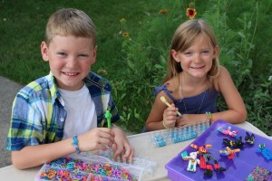 Rainbow Loom, Rubber Band Looming, Hand-On Activities for Kids