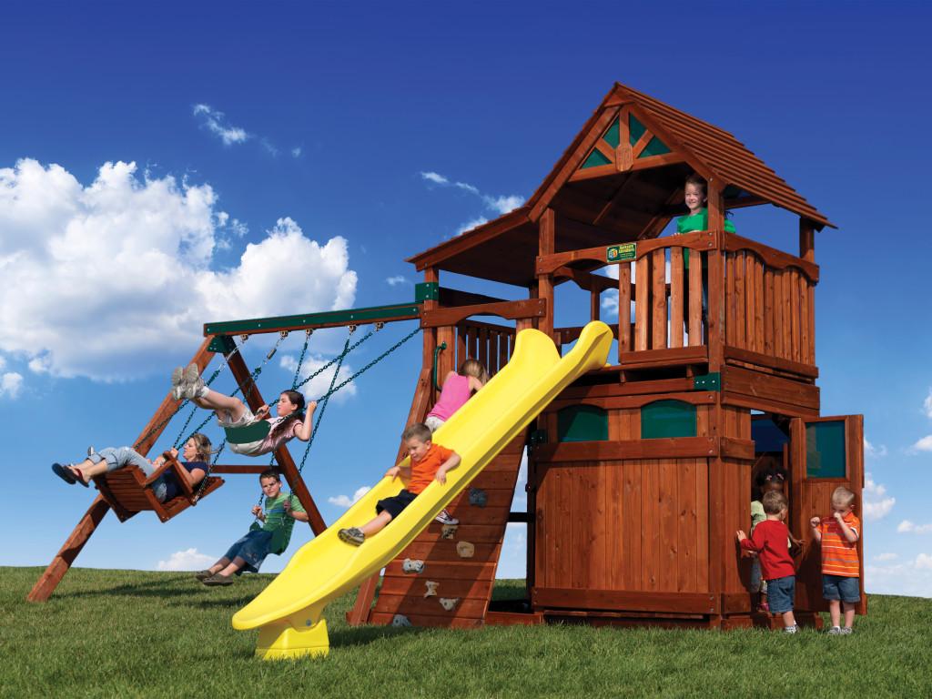 backyard adventures of iowa makes moms happy