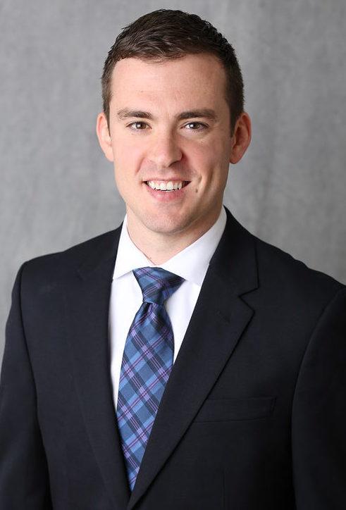 Dr. Dan Pelzer, The Iowa Clinic | Des Moines Moms Blog