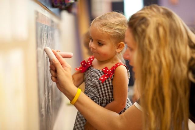 The Goddard School teacher | Des Moines Moms Blog
