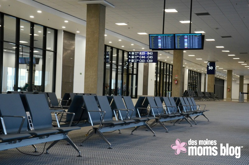 airport-waiting des moines moms blog
