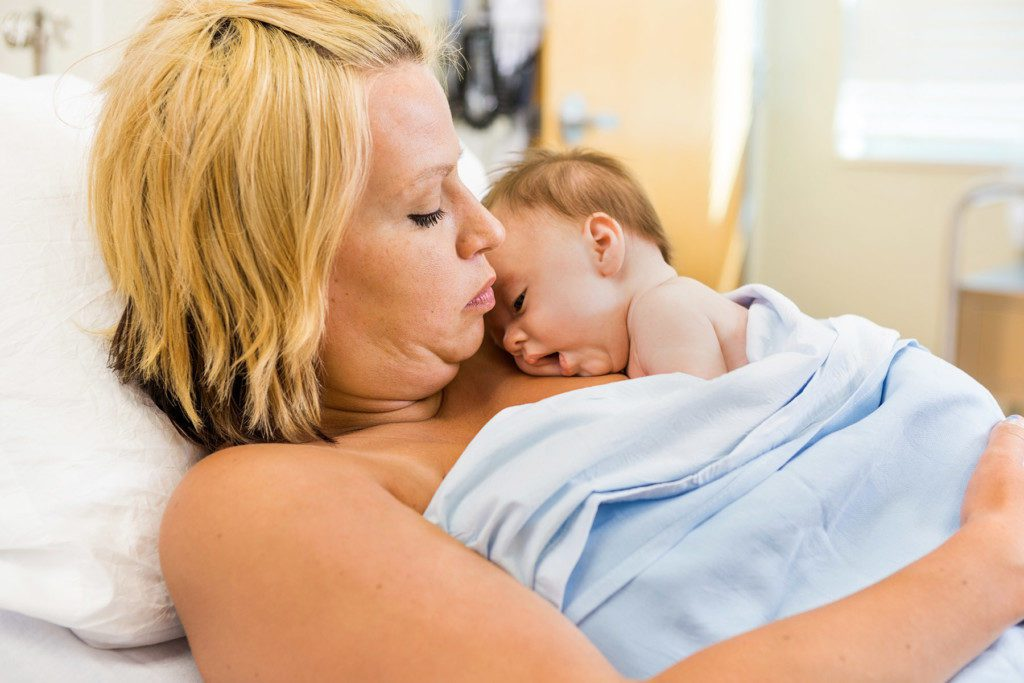 delay newborn first bath
