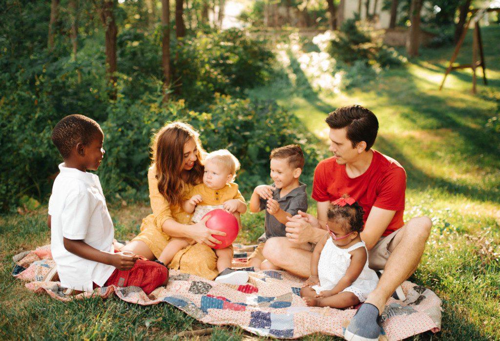 Kayla Craig family photo by Samantha Owenson photography