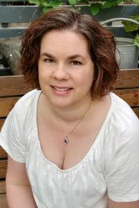 Liz Shultz headshot