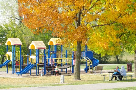 centennial park waukee Des Moines Moms Blog Family Fun Day