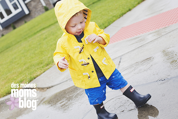 boys spring fashion hunter rain boots Des Moines Moms Blog
