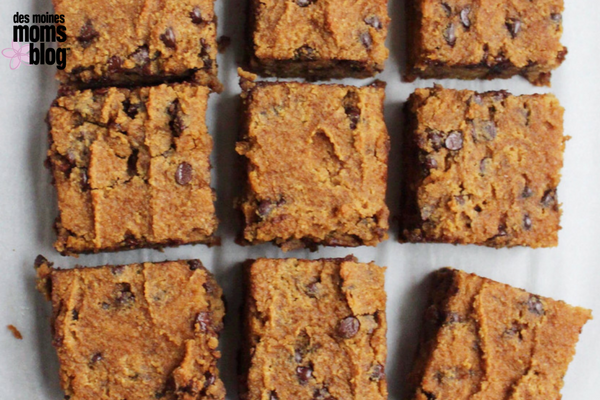 Healthy Chocolate Chip Cookie Bars healthy snacks dairy-free and gluten-free